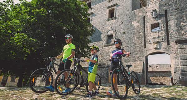 Putevima kaštela biciklističke staze